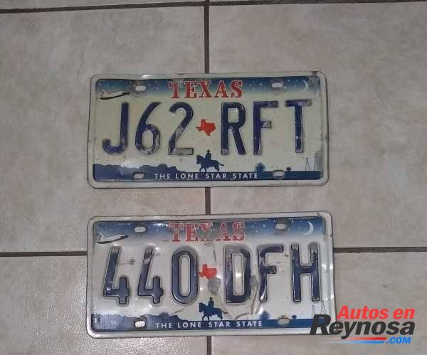 placas texanas ,es una de cada una ..precio $80 C/U