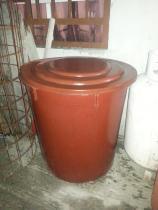 Vendo este tanque de color cafe en buenas condiciones