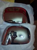 Cubiertas en acabado cromo para espejos laterales RAM 02-08