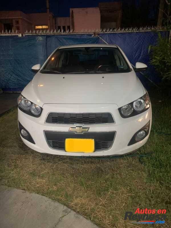 Chevrolet Sonic LTZ 2016 como nuevo