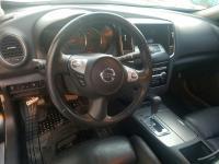 Nissan Maxima 2012.