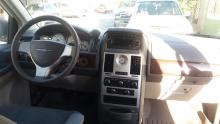 Chrysler town contry lx 2010