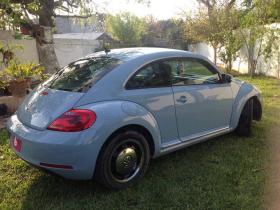 Volkswagen Beetle  2012 Americano 5 cil trans. Automatica