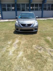 Nissan Versa  2013 Americano 4 cil trans. Automatica