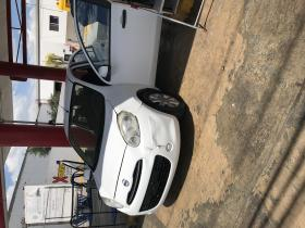 Nissan March  2012 Mexicano 4 cil trans. Manual