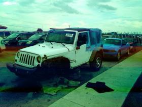 Jeep Wrangler  2011 Americana 6 cil trans. Automatica