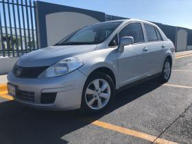 Nissan Tiida CUSTOM   2012 4 cil trans. Automatica