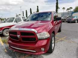 Dodge Ram 1500  2013 8 cil trans. Automatica