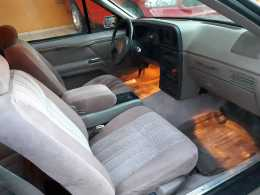 Ford Tunderbird  1986 6 cil trans. Automatica