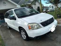 Ford Freestar 2005 6 cil $29 mil a trato