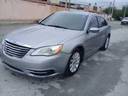 Chrysler 200 año 2013 6 cil $52 mil o mejor oferta