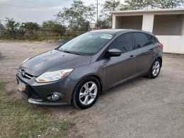 VENDO MI FORD FOCUS SE 2012