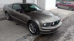 Hermoso Mustang GT recién llegado