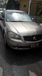 Altima 2006, 4 cil. Negociable