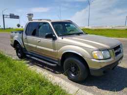 BARATA 2001 FORD SPORT TRACK (Placas vigentes texanas)