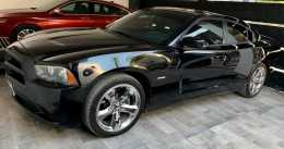 Charger R/T 2011 regularizado